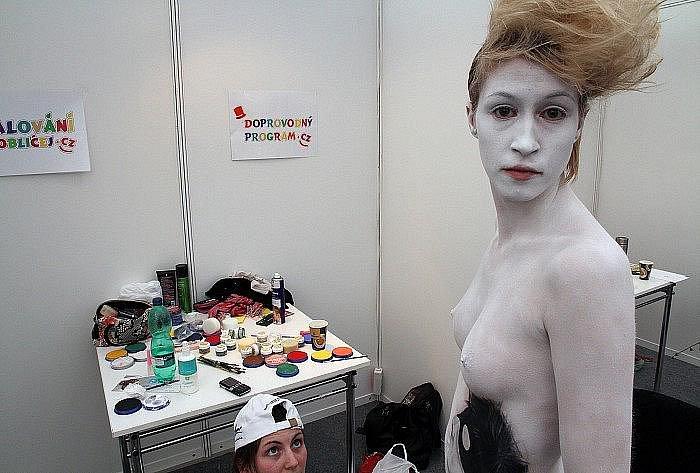 Otevřeného mistrovství ČR v malování na tělo se zúčastnila i Denisa Pýchová z Kolína.