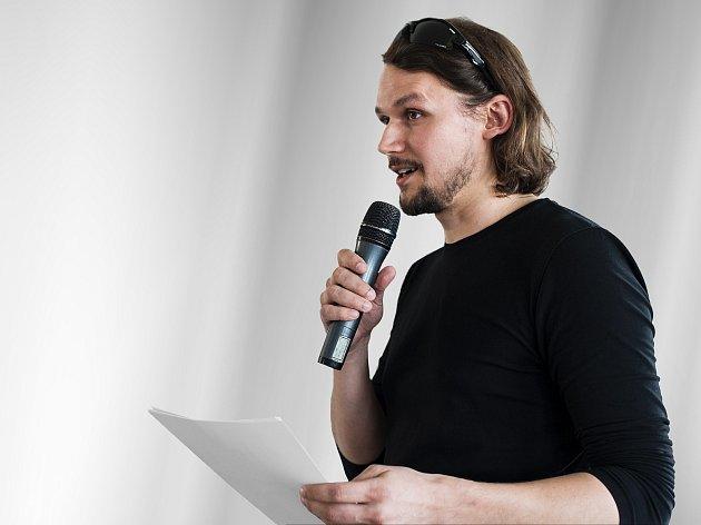 Analytik Tomáš Ervín Dombrovský