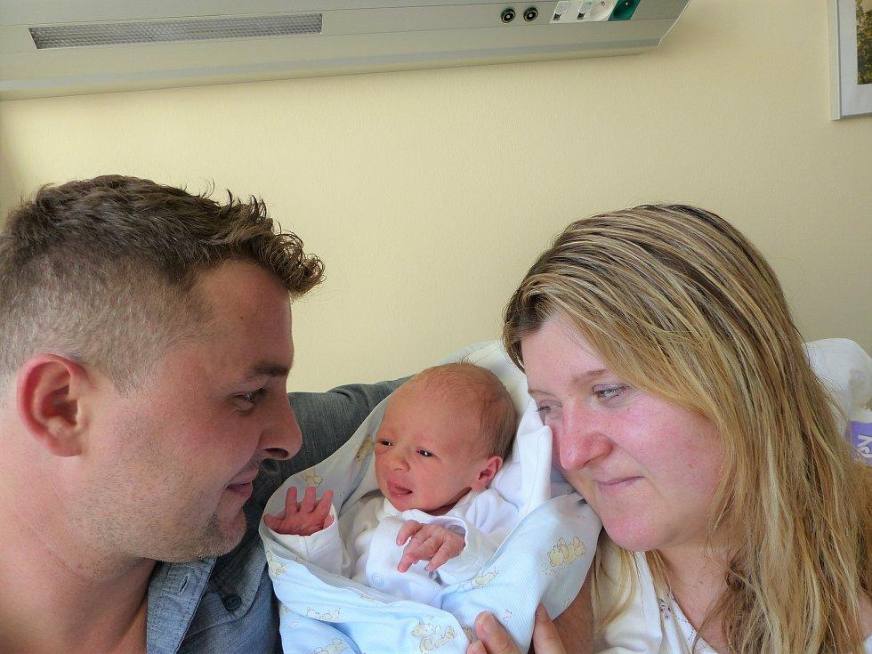 Matouš Ružinský se narodil 2. září 2020 v kolínské porodnici, vážil 2670 g a měřil 48 cm. Do Kouřimi si ho odvezla maminka Šárka a tatínek Tomáš.