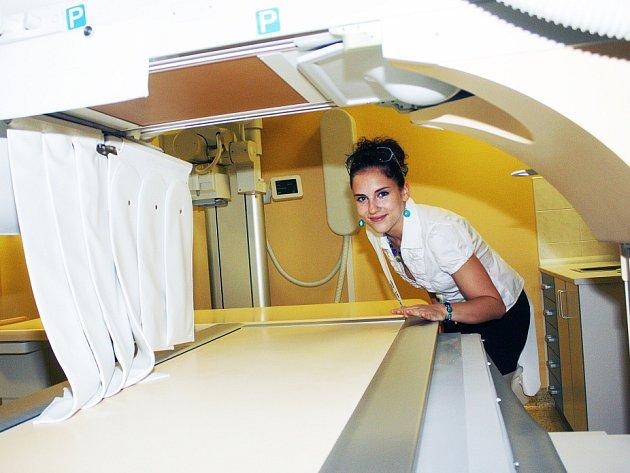 """Nové skiaskopicko – skiagrafické pracoviště, neboli """"digitální rentgen"""" v Oblastní nemocnici Kolín."""
