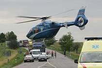 Těžká dopravní nehoda na I/12 u odbočky na Křečhoř
