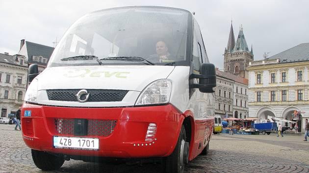 V Kolíně se dva týdny testoval elektrobus