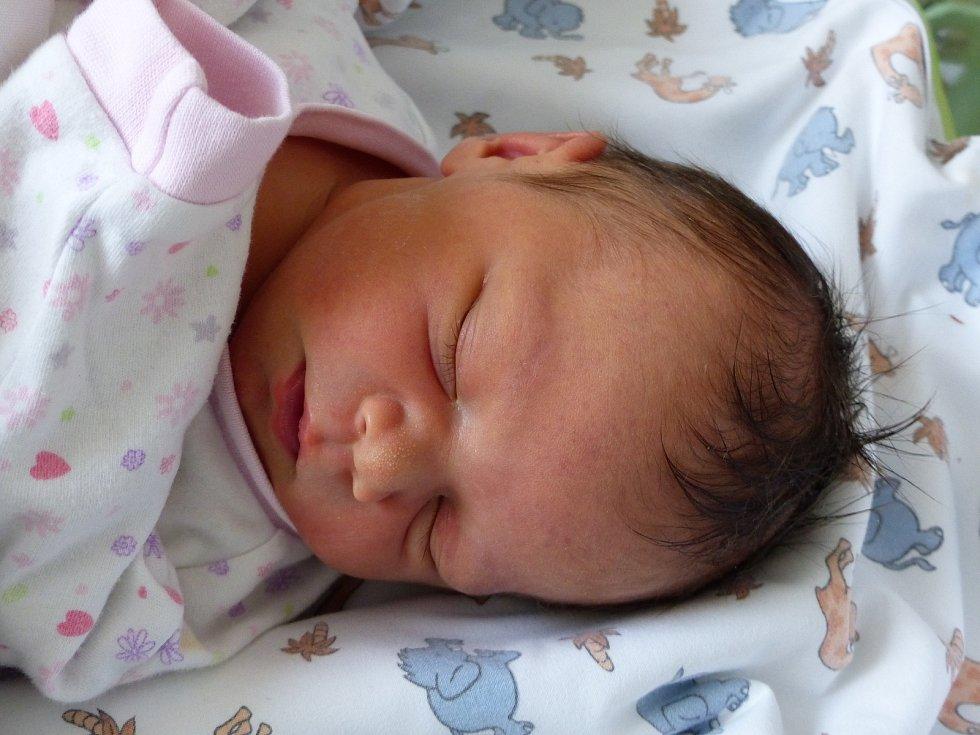 Lejla Horvátová se narodila 30. listopadu 2020 v kolínské porodnici, vážila 3540 g a měřila 50 cm. V Kolíně se z ní těší sestřičky Paloma (10), Mia (5) a rodiče Věra a Zdeněk.