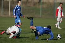 Z utkání FK Kolín - Velim (3:1).