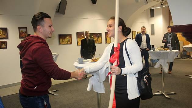 Slavnostní vyhlášení výsledků soutěže 'Stavíme vám sen' v Kolíně.