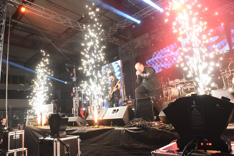Legendární skupiny Tublatanka a Citron hrály na zimáku v Kolíně.