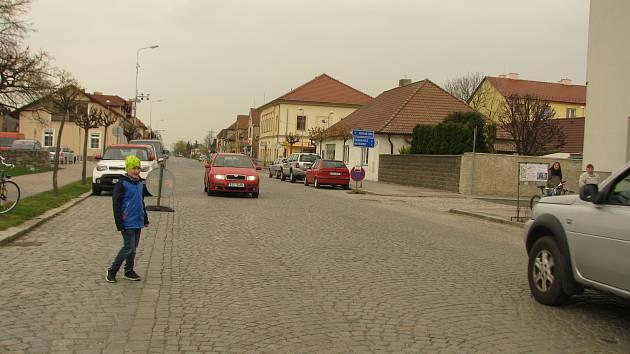 Celý průtah Pečkami čeká rekonstrukce, první týdny nebude možné vjet k vlakovému nádraží.