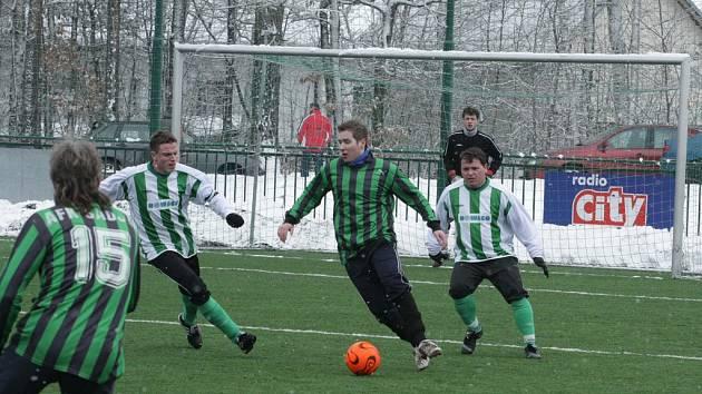 Z utkání zimního turnaje Stříbrná Skalice - Sadská (2:7).