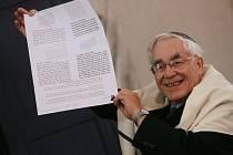 Z dřívější návštěvy rabína Andrew Goldsteina v Kolíně