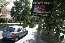 Okamžitý měřič rychlosti na Veltrubské ulici