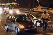 Nehoda dvou vozidel v Kolíně. 16. února 2010