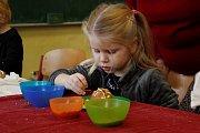 Děti si užily jarmark a tvořivé dílničky ve školách.