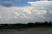 Bouřkové mraky se blíží.