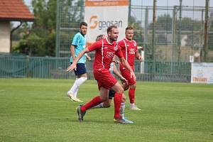 Z přípravného fotbalového utkání Velim - Nový Bydžov (4:1)