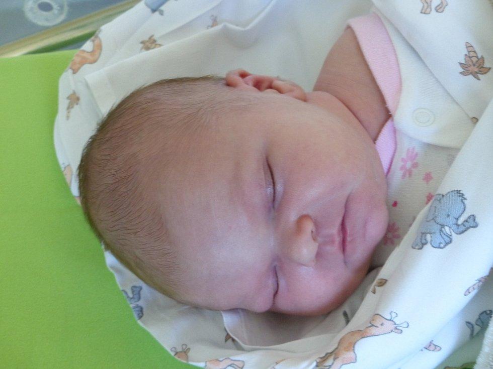 Eliška Dvořáková se narodila 20. dubna 2020 v čáslavské porodnici. Vážila 3700 g a měřila 49 cm. V Kutné Hoře - Kaňku se z ní těší maminka Martina a tatínek Daniel.