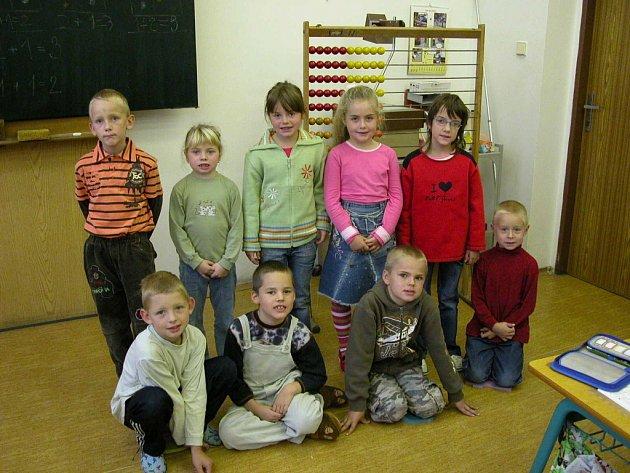 První třída Základní školy ve Stříbrné Skalici.