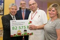 Výtěžek letošní vánoční sbírky v automobilce TPCA byl věnován dětskému oddělení Oblastní nemocnice Kolín a jeho malým pacientům.