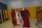 Travesti show v Kolíně.