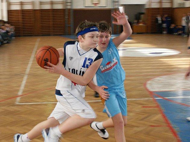 Z utkání mladších minižáků BC Kolín - Brandýs (46:70).