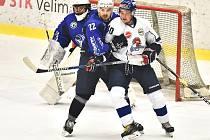 Hokejisté Kolína (v modrém) porazili Tábor 2:1.