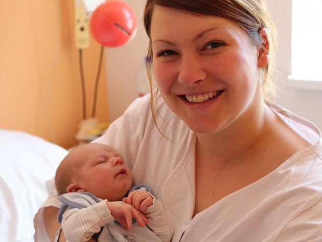 Michaela a Honza se dočkali syna. Matyáš Říha se poprvé rozhlédl 17. května 2017 s váhou 3251 gramů a výškou 50 centimetrů. Rodina žije v Býchorech.