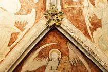 Kostel svatého Štěpána v Kouřimi zdobí osmiboká kaple sv. Kateřiny
