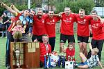 Vítězní dobrovolní hasiči ze Zibohlav po vyhlášení výsledků 20. ročníku Kutnohorské hasičské ligy ve Zbraslavicích.