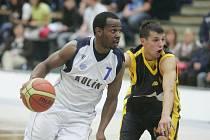 Z basketbalového utkání Mattoni NBL Kolín - Opava (80:82)