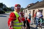 Recesistický závod na lyžích projel Českým Brodem