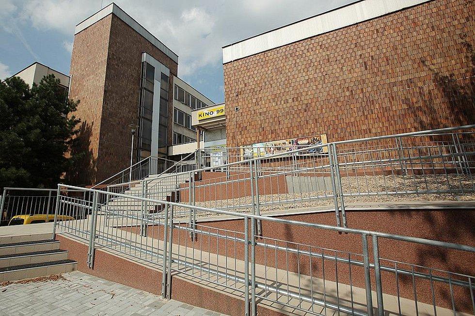 Kino Kolín 99 se dočkalo nového schodiště.