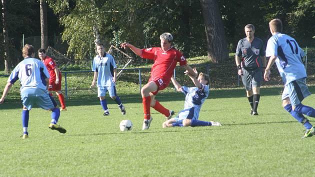 Z utkání FK Kolín B - Červené Pečky B (3:1).