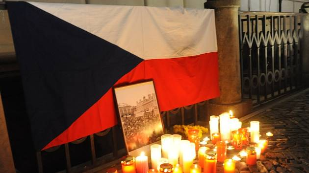 Připomenutí sametové revoluce v Kolíně.