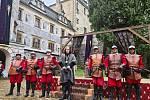 Z natáčení televizní pohádky Jak si nevzít princeznu. Na snímku Páni z Kolína, věrní vojáci krále.