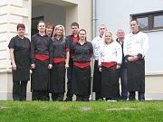 Tým pracovníků restaurace Dvůr Křečhoř.