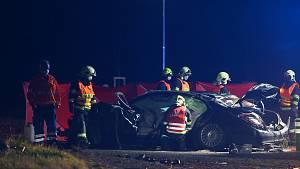 Smrtelná dopravní nehoda na kruhovém objezdu u Ovčár