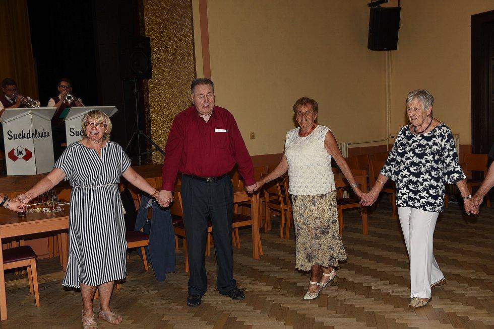 Klub přátel Františka Kmocha a taneční odpoledne na Zámecké, Kolín.