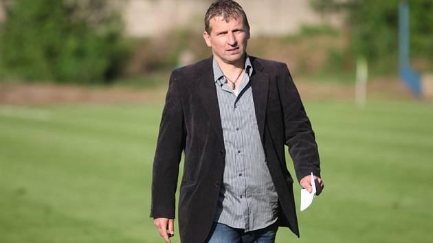 Trenér Roman Veselý.