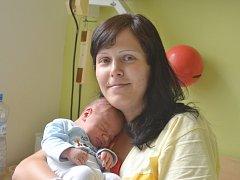 David Horák se narodil 15. července s porodní mírou 50 centimetrů a váhou 3500 gramů. S rodičemi Pavlou a Stanislavem, a dvouletou sestrou Sofinkou, bude bydlet v rodném Kolíně.