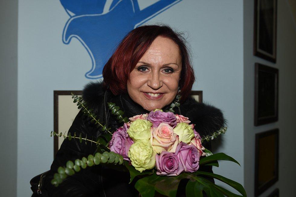 Po několika letech se do kolínského městského společenského domu poslední únorovou středu vrátila několikanásobná Zlatá slavice Petra Janů.