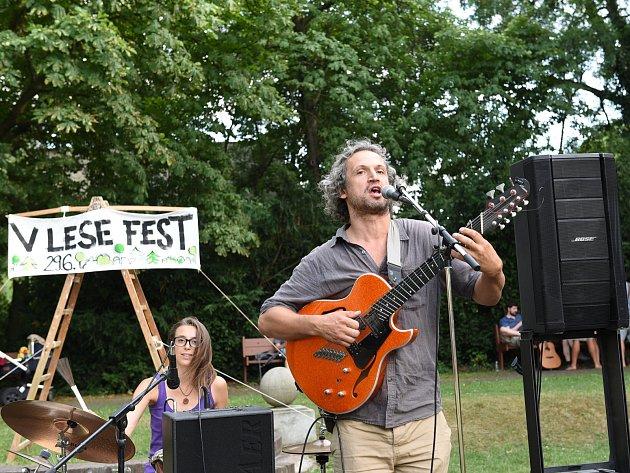 Lesní školka uspořádala malý festival v Borkách.