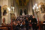 Česká mše vánoční Jakuba Jana Ryby v podání Kolínské filharmonie v chrámu svatého Bartoloměje v Kolíně.