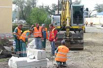 Rekonstrukce křižovatky v ulici 5. května v Pečkách