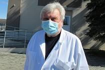 Psychiatr Jan Cimický v Domově Clementas v Mlékovicích.