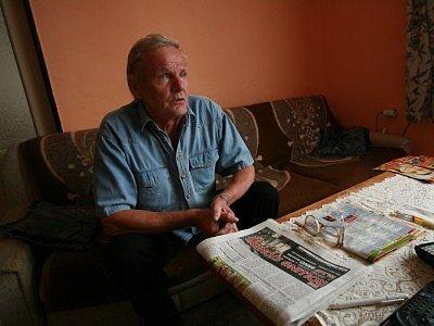 Antonín Maršík žije už plných dvaadvacet let v rodinném domku na okraji Nové Vsi.