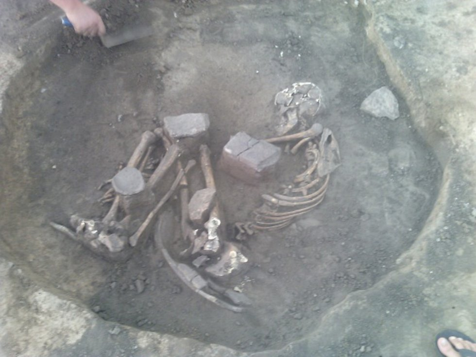 Archeologové našli v Plaňanech pět hrobů