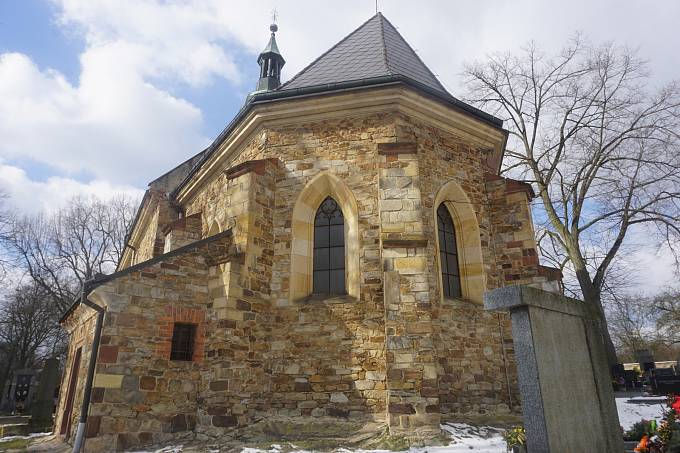 Kostel v Úžicích - reálný pohled