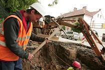 Práce na kanalizaci v Žižkově ulici v Kolíně