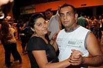 Stovky Romů tančily na kapelu Gipsy Kajkoš