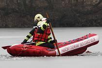 Rybář se už z pod ledu živý nedostal. Veletov 4. února