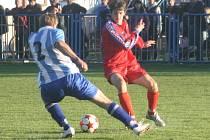 Jiří Fořt (v červeném).